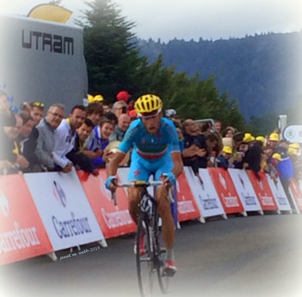The agony here isn't only of defeat.  Nibali, the stage winner and leader of le Tour